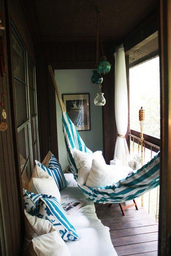 як зробити балкон затишним