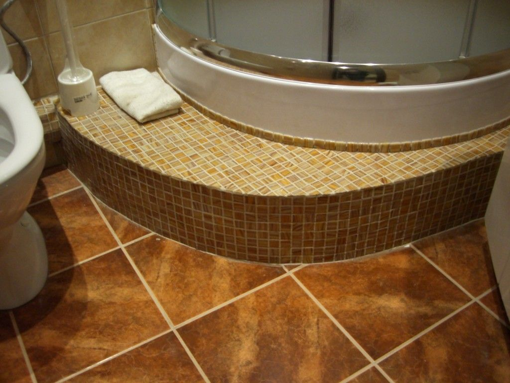 Фото - Аспекти створення подіуму у ванній кімнаті