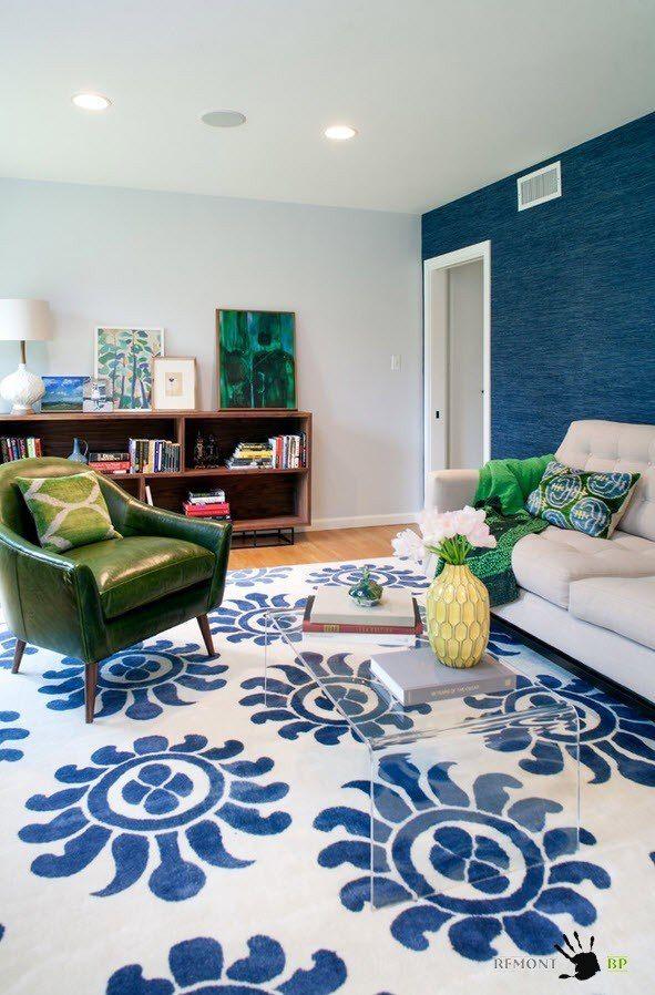 Фото - Всі відтінки синього для колоритного інтер'єру вітальні