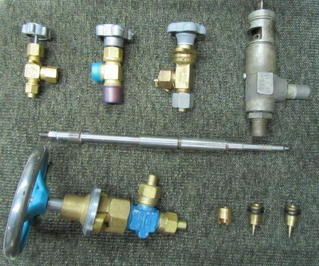 Різні види клапанів.