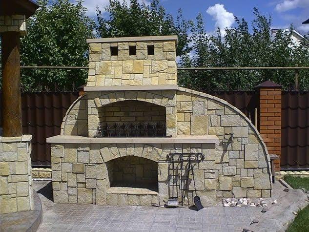 Барбекю з каменю: особливості та етапи будівництва