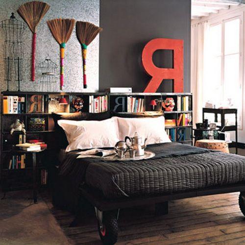 Букви в інтерєрі спальні фото