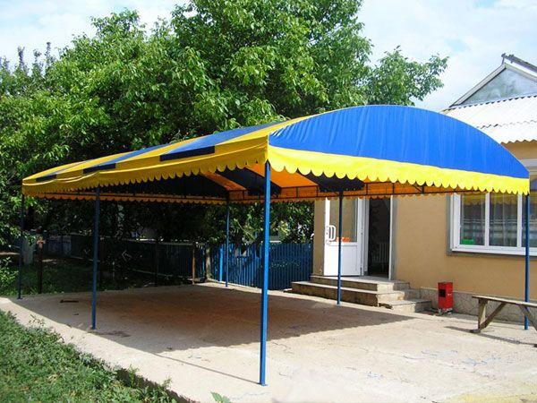 Конструкція з дахом-тентом з ПВХ-тканини