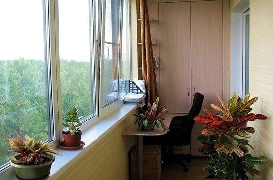 Фото - Чим і як закрити щілини на балконі або лоджії