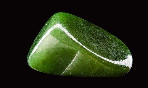 Нефрит - імператорський камінь