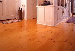 Фото - Чим покрити дерев'яну підлогу практичніше?