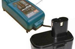 Зарядний пристрій і акумулятор для шуруповерта