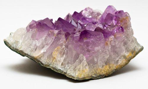Фото - Що собою являє фіолетовий кварц
