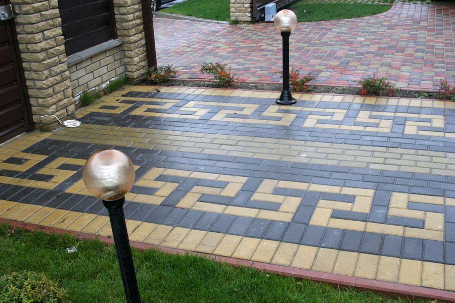 Тротуарна плитка безсумнівно прикрасить Ваш присадибну ділянку. Але для повної картини необхідно встановити бордюри.