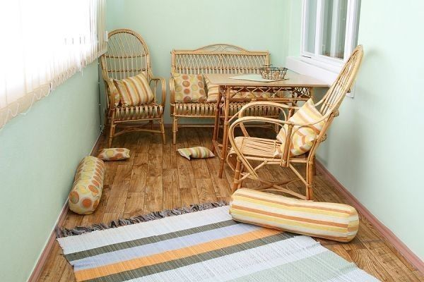 Фото - Дерев'яні підлоги на балконі