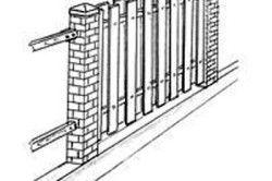 Деревяний паркан з просвітом «Шахи»
