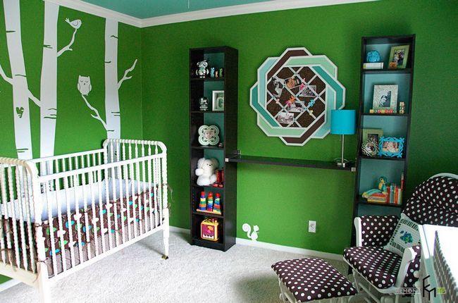 Зелений і коричневий колір в інтерєрі дитячої