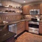 Пробкова підлога в інтерєрі кухні