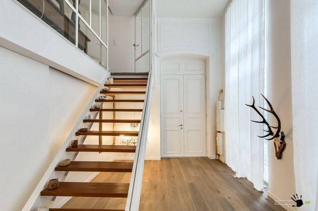 Фото - Творчий, але практичний дизайн дворівневої квартири-студії