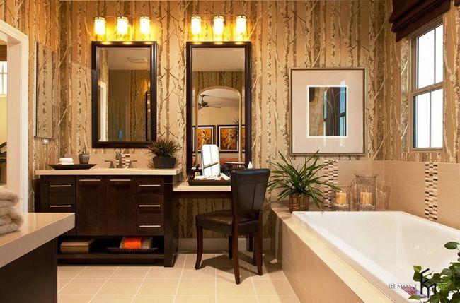 Темно-коричневий туалетний столик у ванній