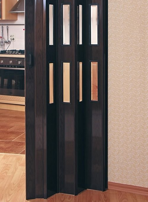 Двері-гармошка на кухні