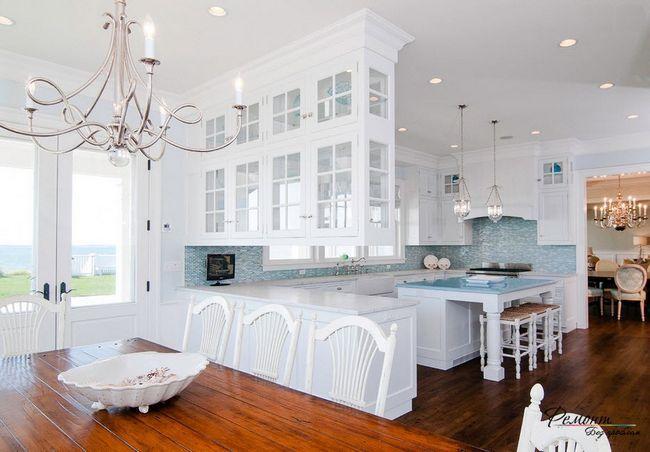 Білий кухонний гарнітур