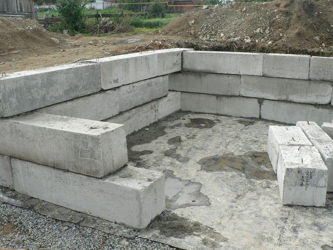 Фото - Фундамент з ж / б плит