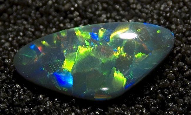 Фото - Де використовується олівін - камінь з сімейства силікатів?