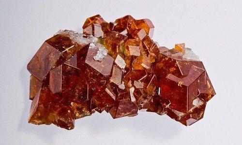 Фото - Гранат: лікувальний і магічне значення каменю