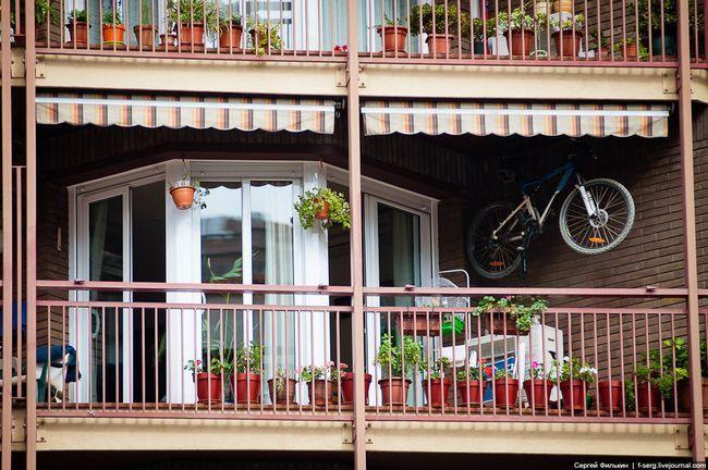 Фото - Зберігання речей на балконі