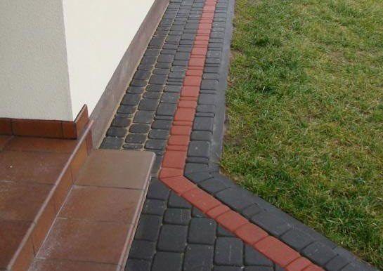 Фото - Інструкція з облаштування вимощення навколо будинку з тротуарної плитки своїми руками