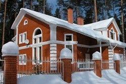 з чого краще будувати заміський будинок
