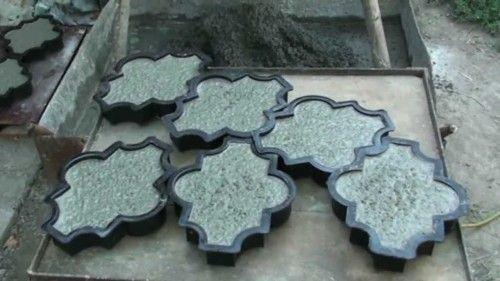 Форми для виготовлення тротуарної плитки.
