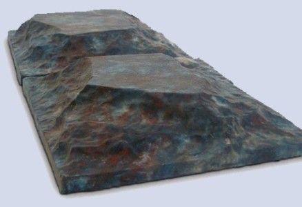 Саморобна силіконова форма для виготовлення тротуарної плитки.