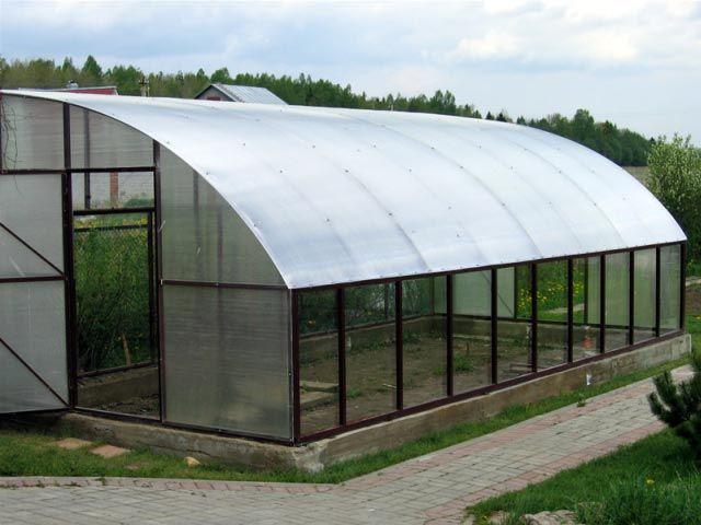 Фото - Виготовлення даху для теплиці з полікарбонату