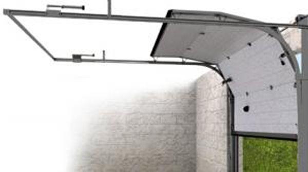 Фото - Економія простору при установці гаражних воріт