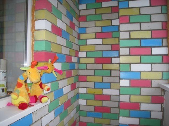 Фото - Етапи фарбування стін на балконі