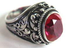 Вантажний срібний перстень з рубіном