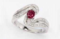Срібний перстень з натуральним рубіном