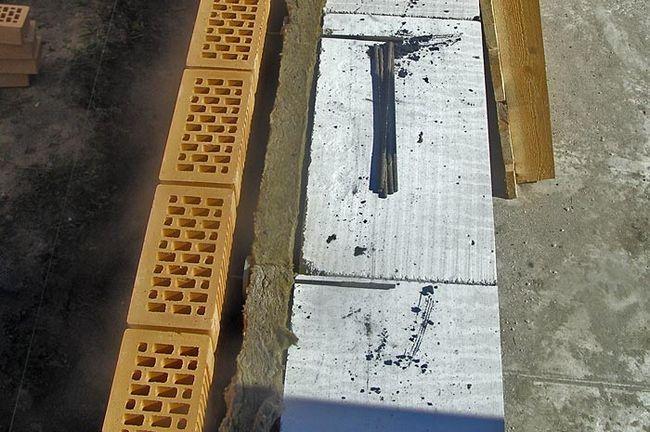 Фото - Як робиться облицювання будинку з газобетону цеглою?