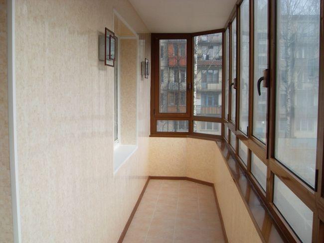 Фото - Як і чим зашити балкон