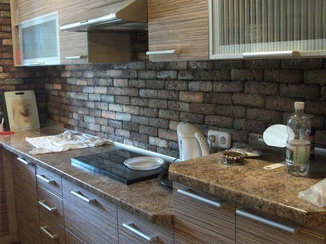 Фото - Як використовувати декоративний камінь в інтер'єрі кухні?