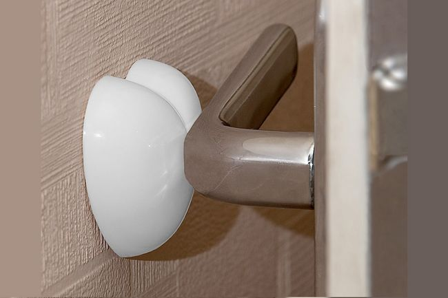 Фото - Як виготовити обмежувач для дверей своїми руками?