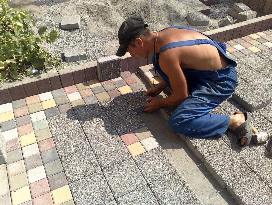 Фото - Як якісно укласти тротуарну плитку