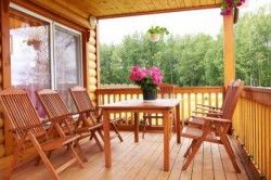 Деревяні меблі для тераси