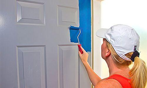 Реставрація дверей фарбуванням