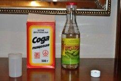 Сода і оцет для боротьби з цвіллю