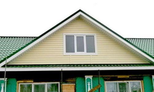 Фото - Як облагородити фронтон будинку