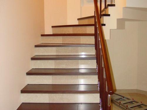 Облицювання металевих сходів натуральним масивом