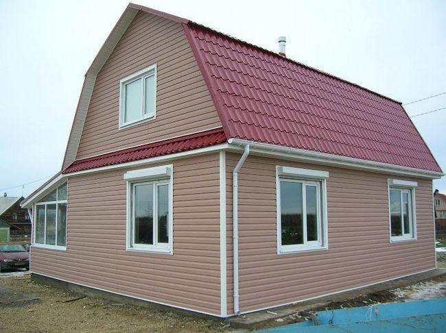 Фото - Як обшити фронтон будинку сайдингом