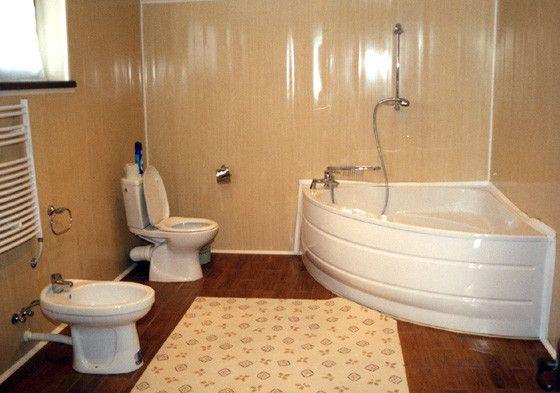 Обшивка пластиком ванної кімнати