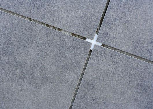 укладка плитки на підлогу