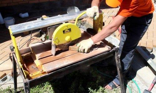 Фото - Як правильно і чим різати тротуарну плитку