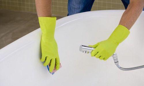 Фото - Як правильно і надовго очистити ванну?