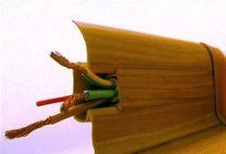 Фото - Як правильно кріпити плінтуса з дерева?